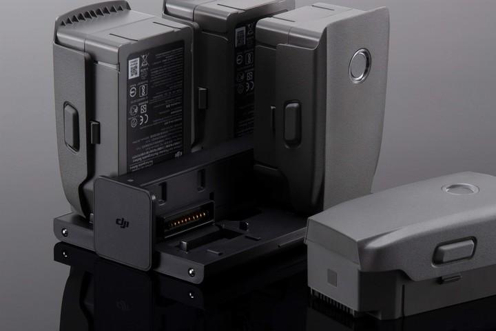 Puerto de carga de baterías Mavic 2